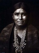 Navajo-Frau